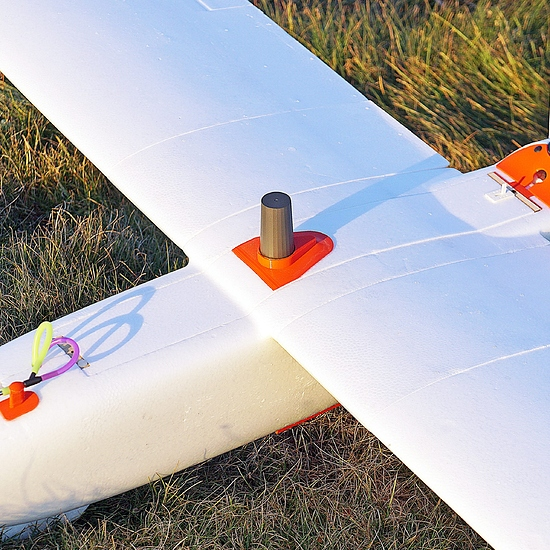 Reach-M2-UAV-PPK-Mapping-kit-for-Aeromappers-best-centimeter-accurate-fixed-wing-drone-scaled