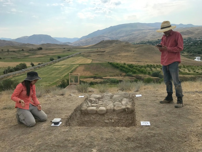 Preparing an archaeological excavation for photogrammetry